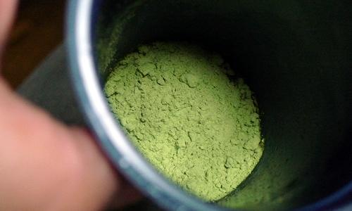 大麦若葉青汁の粉末